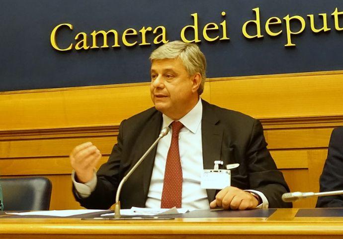 Camere penali sito ufficiale for Rassegna stampa camera deputati